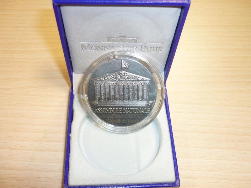 Maxime récompensé de la Médaille d'Honneur de l'Assemblée Générale