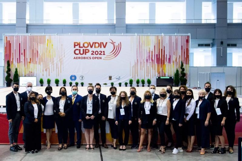 Maëlys sur la seconde marche du podium à la Plovdiv Cup